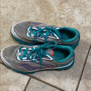 Saucony running shoes SZ 8 wore maybe 5 times